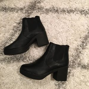 Shoes - BRAND NEW TRUFFLE collection heeled Chelsea boots